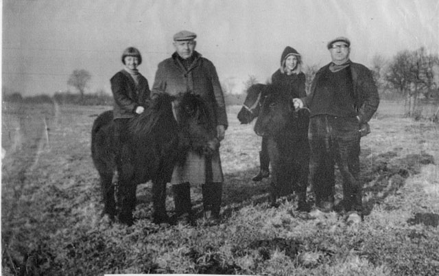 Jannie en Betty Spykstra, Kees v/d Wal, Melle v/d Wal